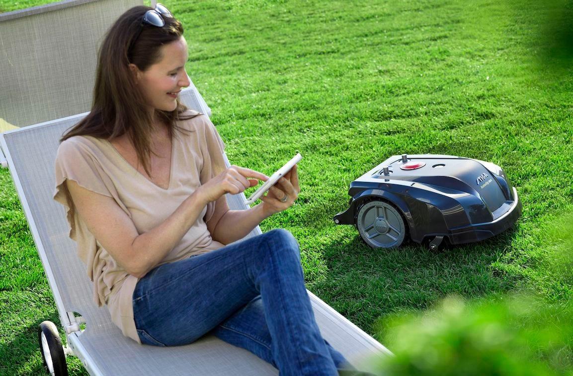 application mobile pour guider son robot tondeuse à distance
