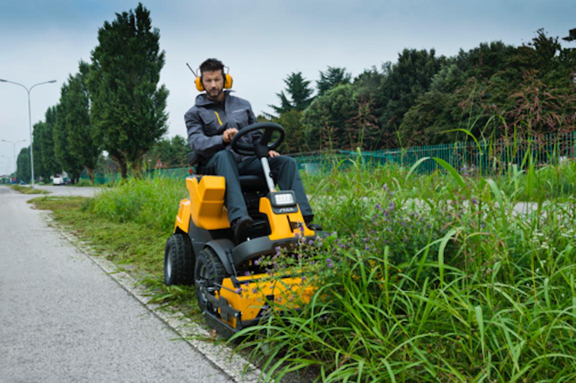 balais ramassage STIGA, tondre pelouse haute facilement
