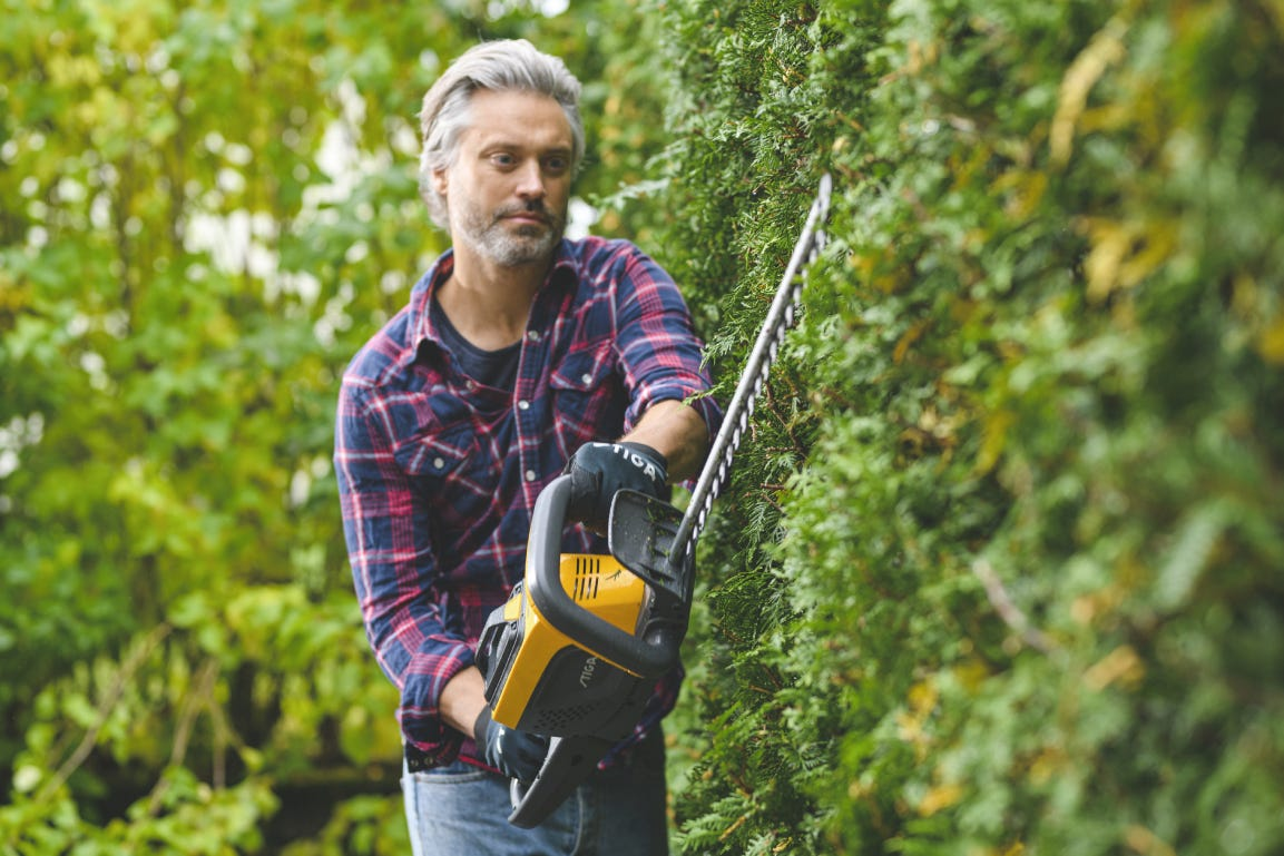 STIGA battery hedge trimmer is silent and eco-friendly