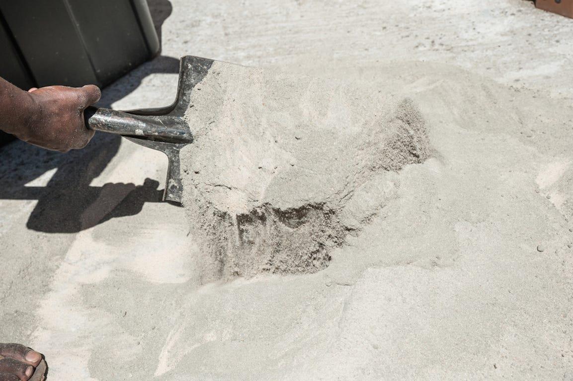ciment pour les bases et la fondation de son abri de jardin