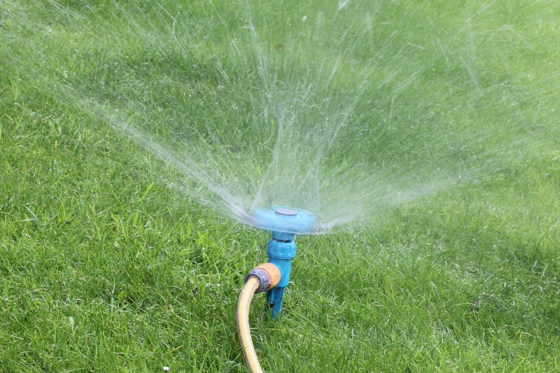 gazon irrigatie gras water gazonsproeier