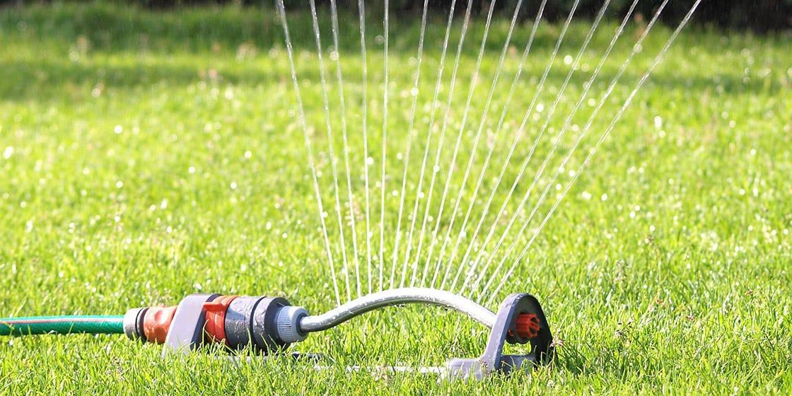 Gardez votre pelouse en bonne santé - stiga magazine calendier de jardin mai