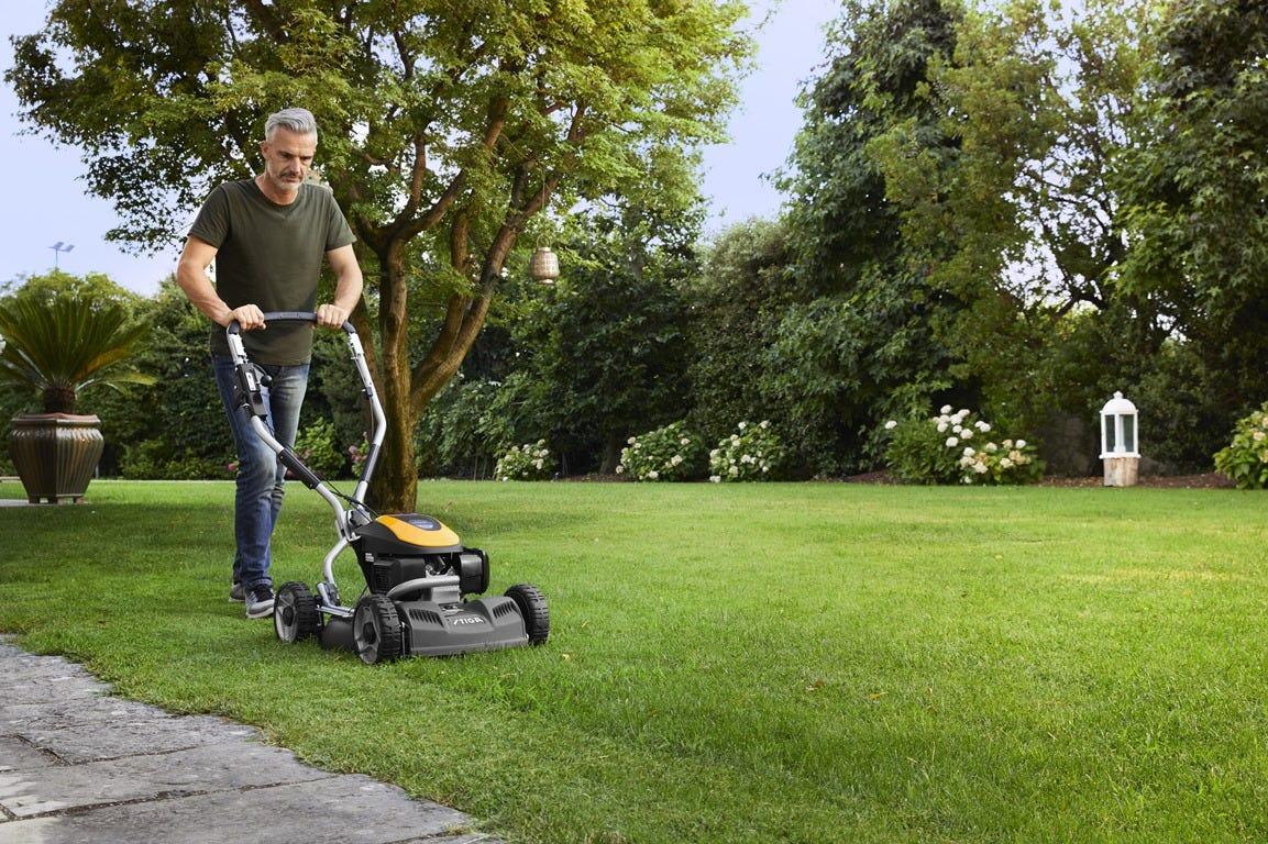 STIGA MULTICLIP PRO 50 SXH lawn mower
