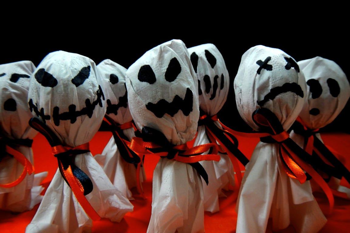 Halloween ghost lollipops: trick or treat?