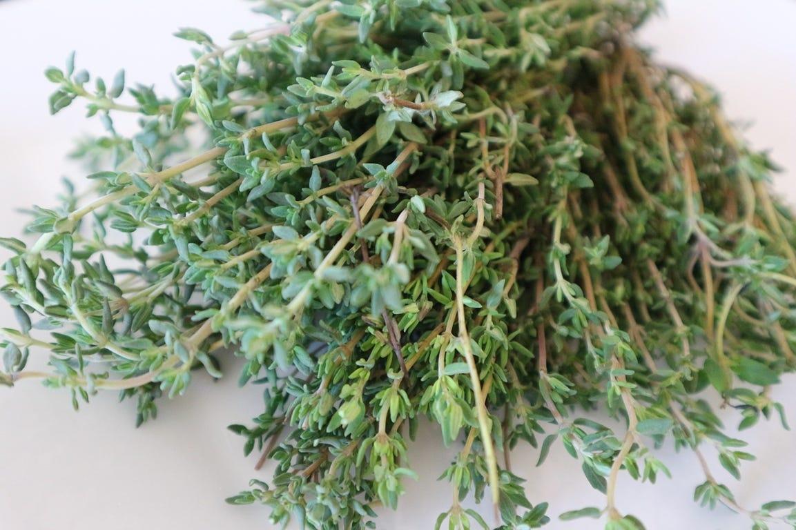 voordelen van zelf gekweekte kruiden tijm