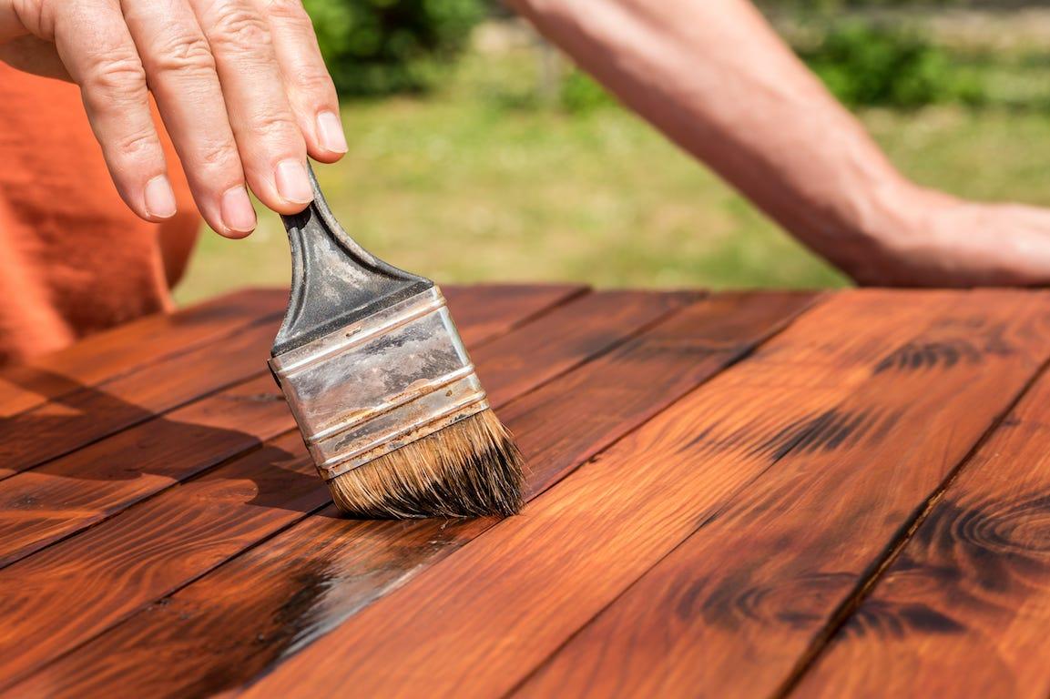 reutilisation ancien bois pour salon de jardin écologique