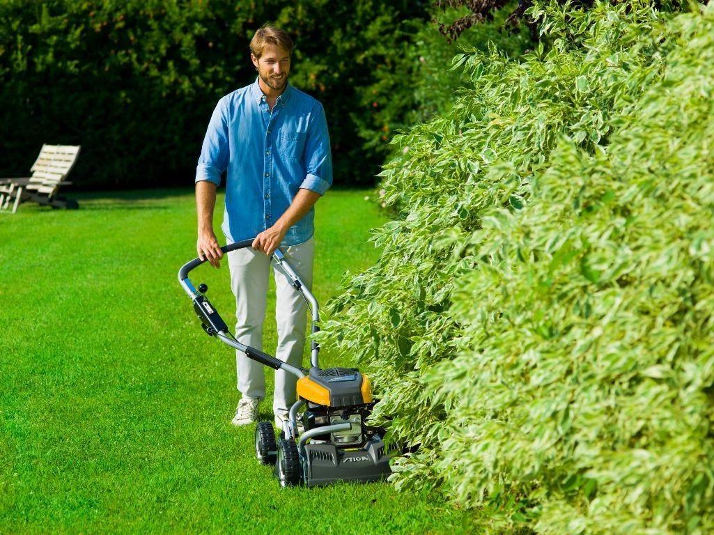 stiga grasmaaier mulching draaibaar stuur verstelbare hoek onder struiken maaien