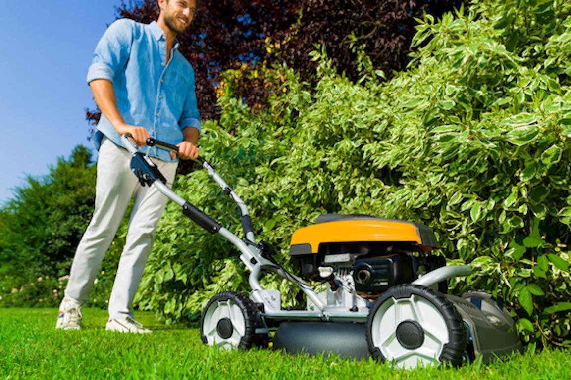 tondeuse stiga moteur thermique tondre pelouse jardin