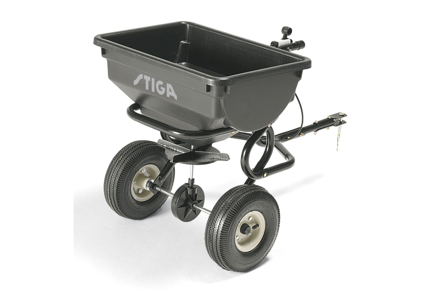 You can easily apply salt, lime, sand, fertiliser and seeds over large areas by attaching a STIGA rotary spreader to your Park front mower.